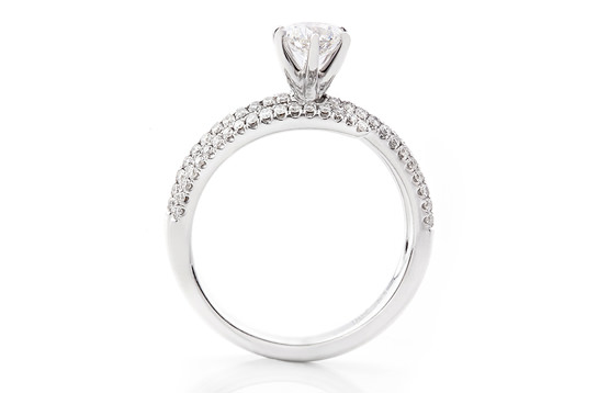 5  quirky Engagement ring facts